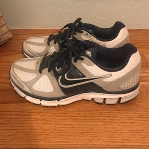 Nike Women's Flywire Athletic Sneakers, Size 7.5